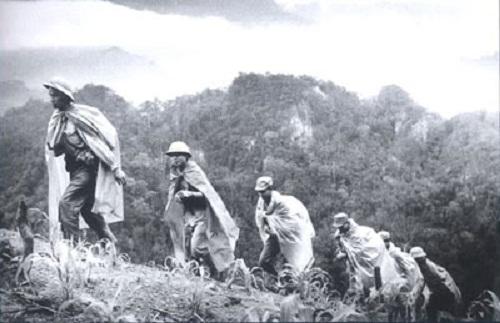 tay tien quang dung - Tây tiến - Quang Dũng