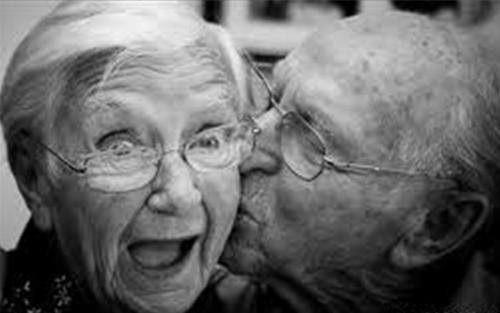 nhung bai tho ngan hay tang chong yeu day tinh cam 1 - Những bài thơ ngắn hay tặng chồng yêu đầy tình cảm