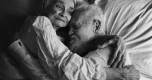 nhung bai tho ngan hay tang chong yeu day tinh cam 310x165 - Những bài thơ ngắn hay tặng chồng yêu đầy tình cảm