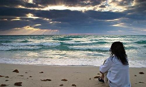 nhung bai tho ngan hay ve bien nhieu nguoi yeu thich 2 - Những bài thơ ngắn hay về biển nhiều người yêu thích