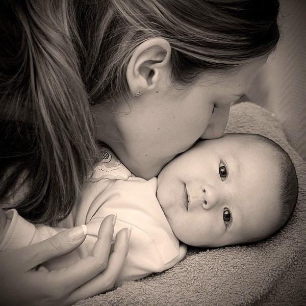 nhung bai tho ngan hay ve me va tinh me cam dong nhat 1 - Những bài thơ ngắn hay về mẹ và tình mẹ cảm động nhất