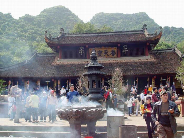 top 10 bai tho hay cua ba huyen thanh quan 1 - Top 10 Bài thơ hay của Bà Huyện Thanh Quan