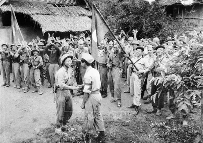 top 12 bai tho hay nhat cua nha tho quang dung 6 - Top 12 Bài thơ hay nhất của nhà thơ Quang Dũng