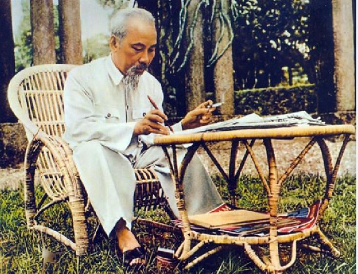 top 18 nhung bai tho hay cua nha tho phan trung 10 - Top 18 Những bài thơ hay của nhà thơ Phan Trung