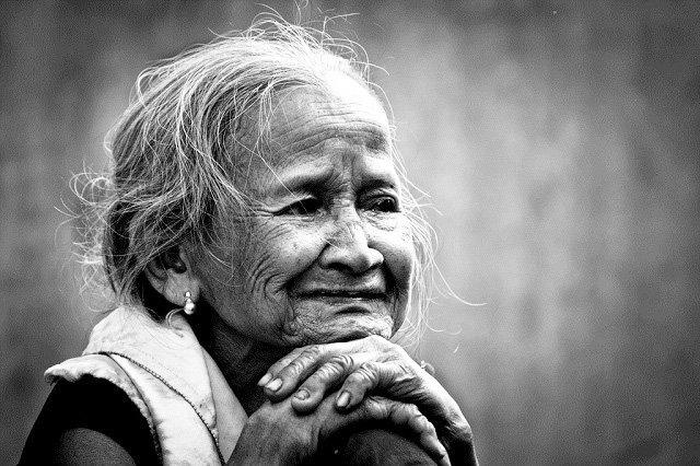 top 20 bai tho hay nhat ve ngay 83 danh tang me 1 - Top 20 Bài thơ hay nhất về ngày 8/3 dành tặng mẹ