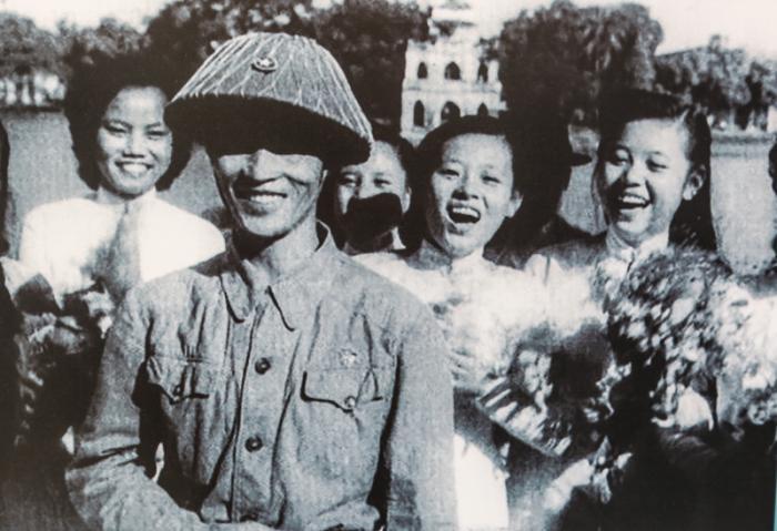 top 5 bai tho hay nhat ve ngay giai phong thu do 10101954 - Top 5 Bài thơ hay nhất về ngày giải phóng thủ đô 10/10/1954